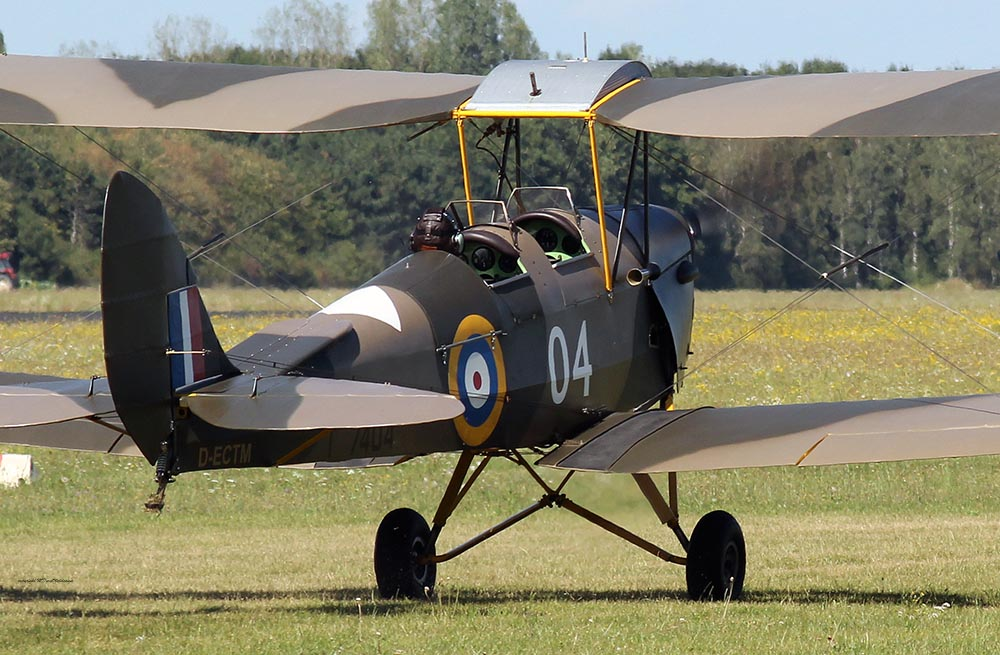 De_Havilland_TigerMoth_D-ECTM_2012-08-17_-30.jpg