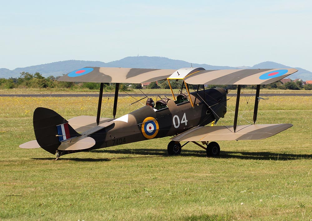 De_Havilland_TigerMoth_D-ECTM_2012-08-17_-31.jpg