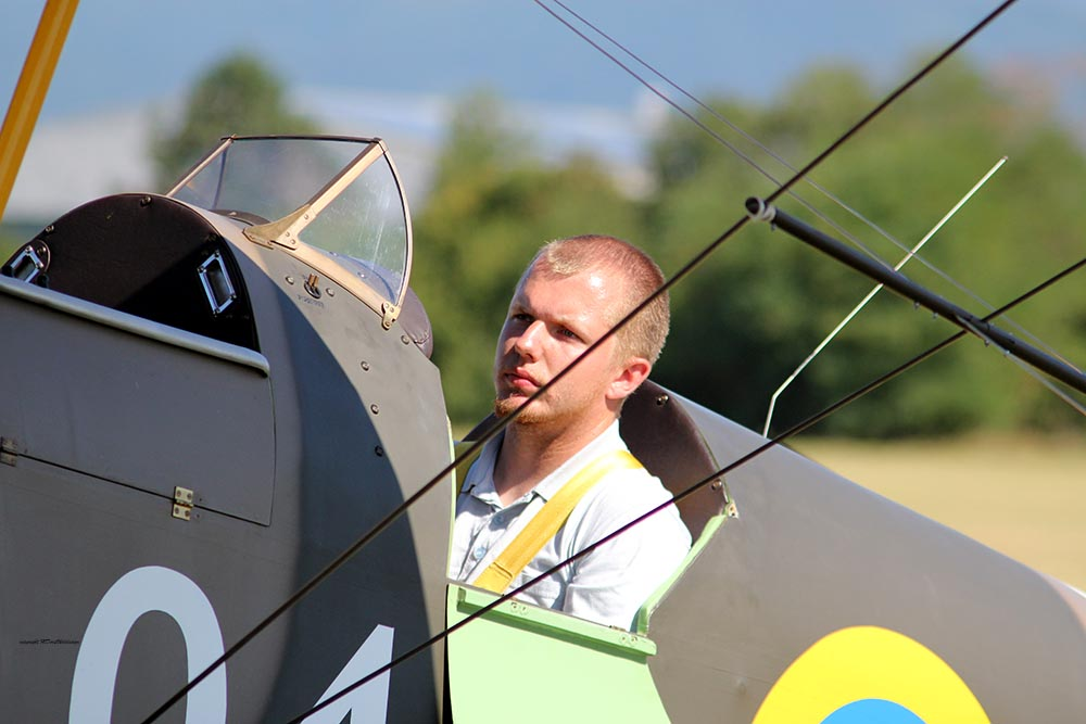 De_Havilland_TigerMoth_D-ECTM_2012-08-17_-5.jpg