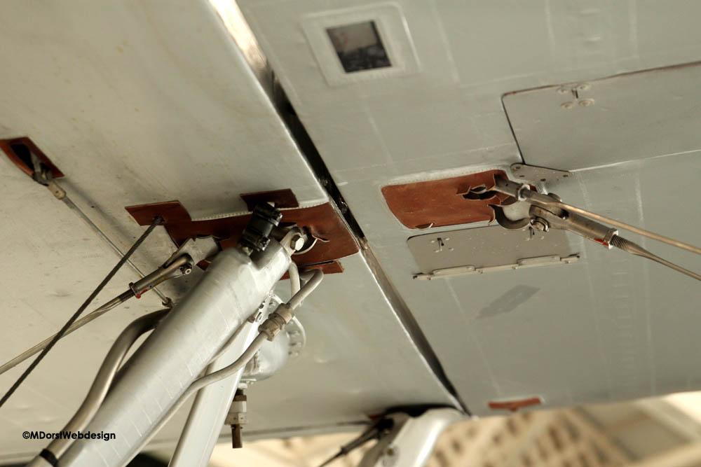 Hawker_Nimrod_wingstrut_fuselage_2.jpg