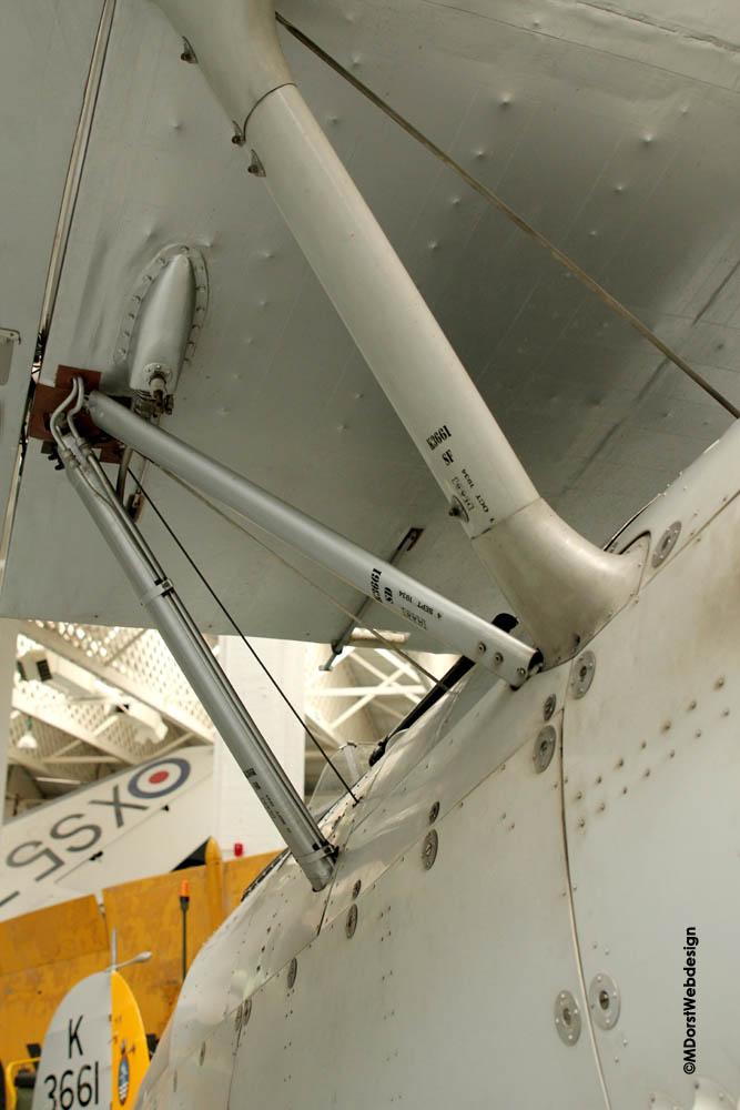 Hawker_Nimrod_wingstrut_fuselage_3.jpg