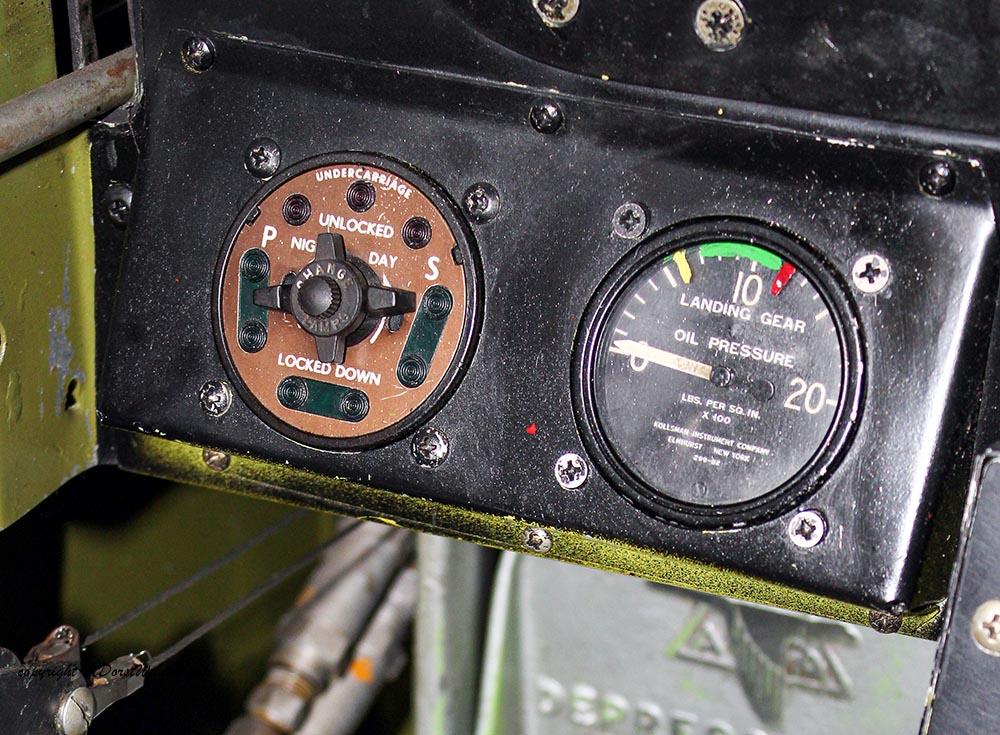 P-51_MissHelen_G-BIXL_2011-10-0715.jpg