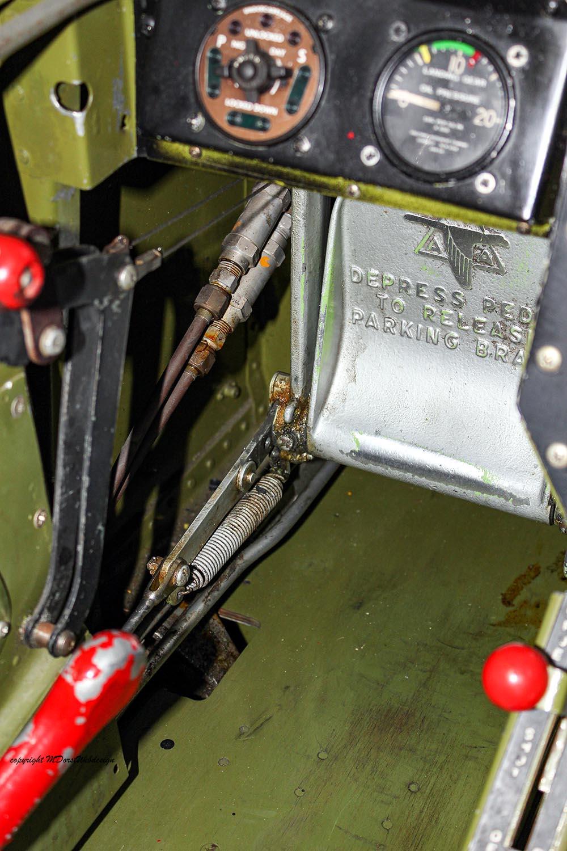 P-51_MissHelen_G-BIXL_2011-10-0716.jpg