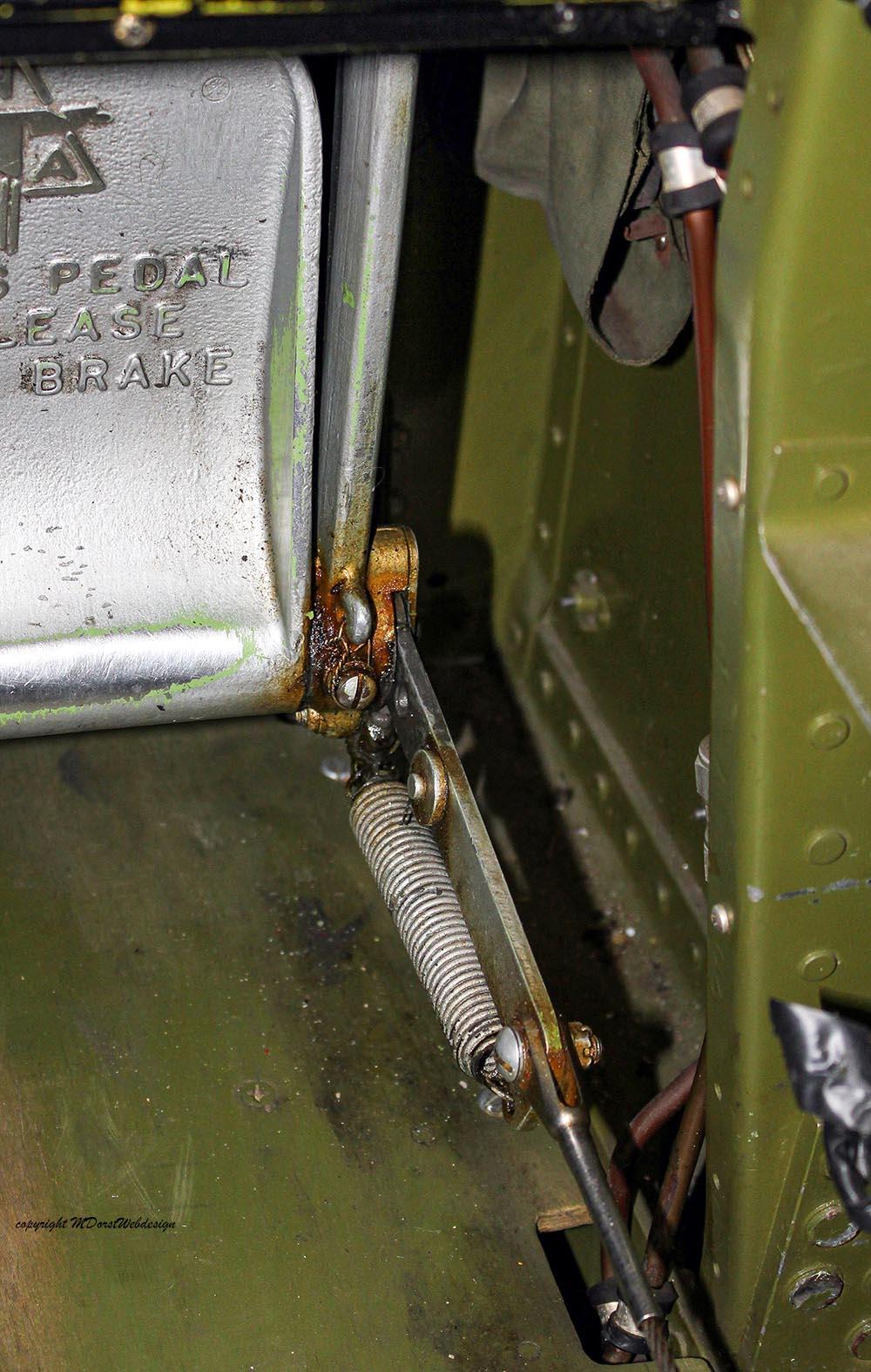 P-51_MissHelen_G-BIXL_2011-10-0717.jpg
