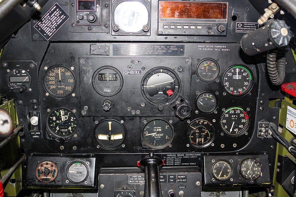 P-51_MissHelen_G-BIXL_2011-10-0720.jpg