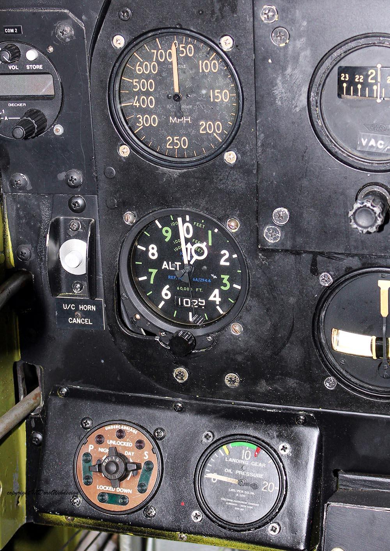 P-51_MissHelen_G-BIXL_2011-10-0721.jpg