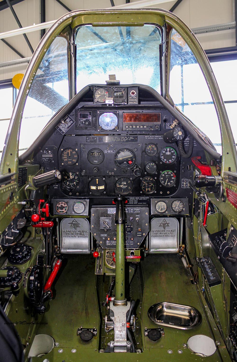 P-51_MissHelen_G-BIXL_2011-10-0727.jpg