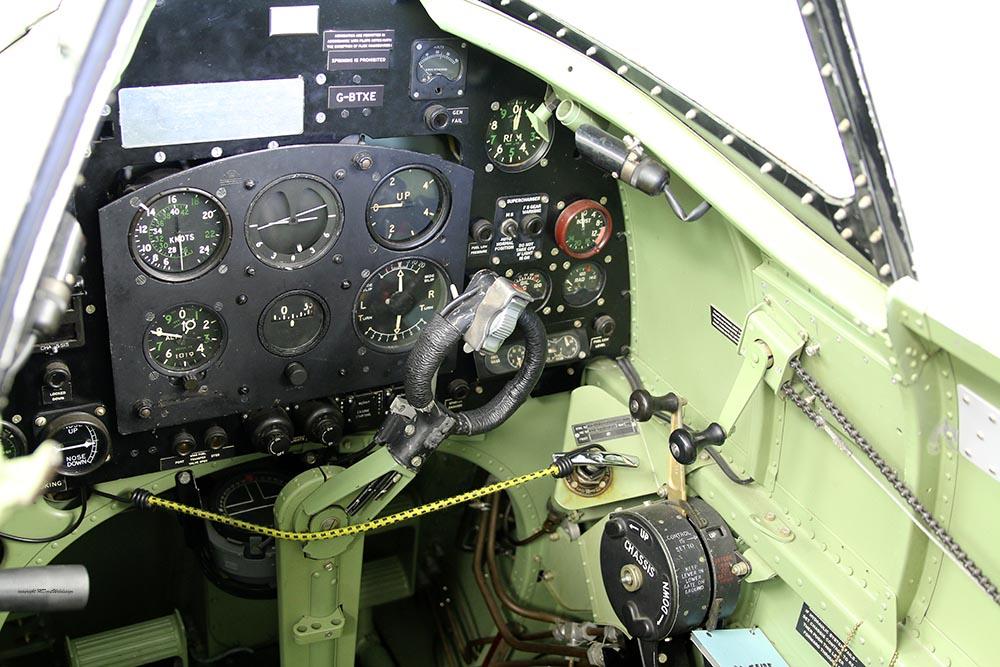 Spitfire_Mk18_TP280_2015-03-2718.jpg