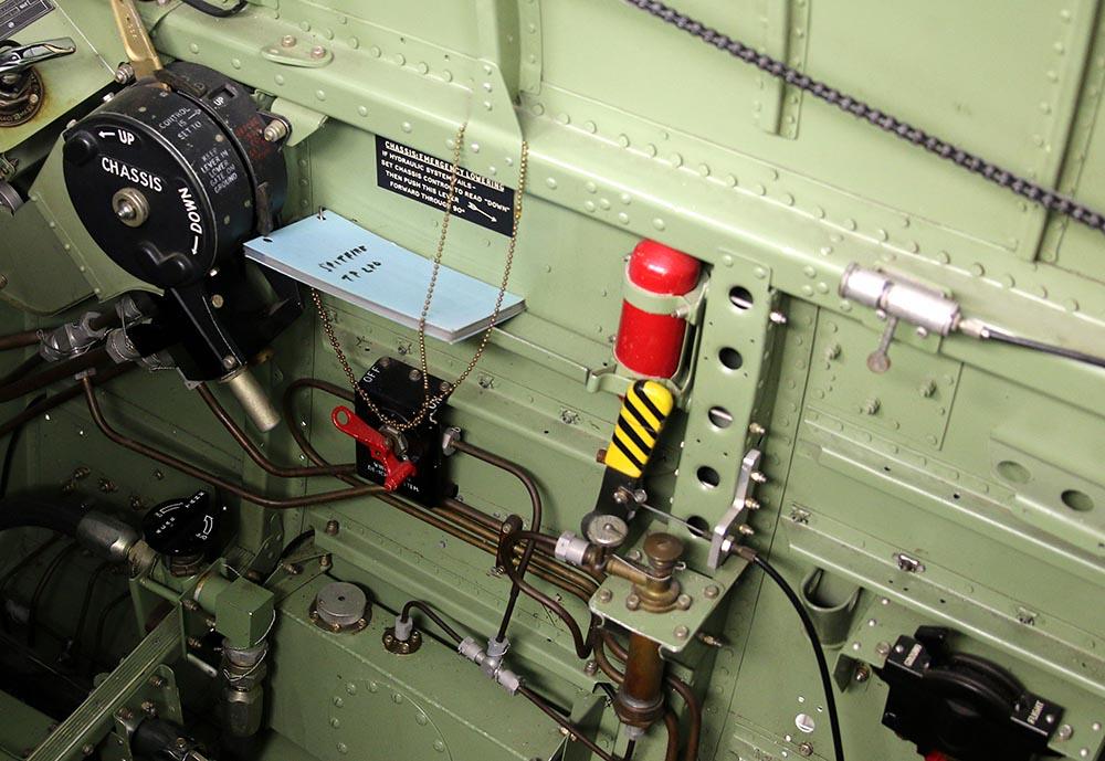 Spitfire_Mk18_TP280_2015-03-2720a.jpg