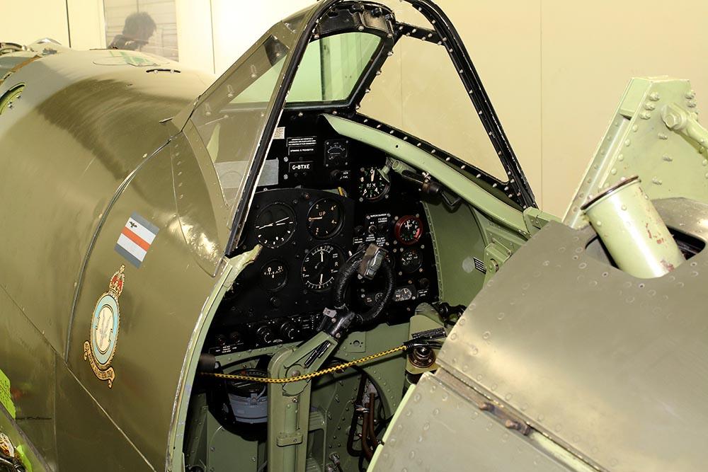 Spitfire_Mk18_TP280_2015-03-2724.jpg
