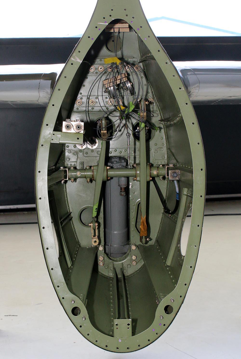 Spitfire_Mk18_TP280_2015-03-2739.jpg