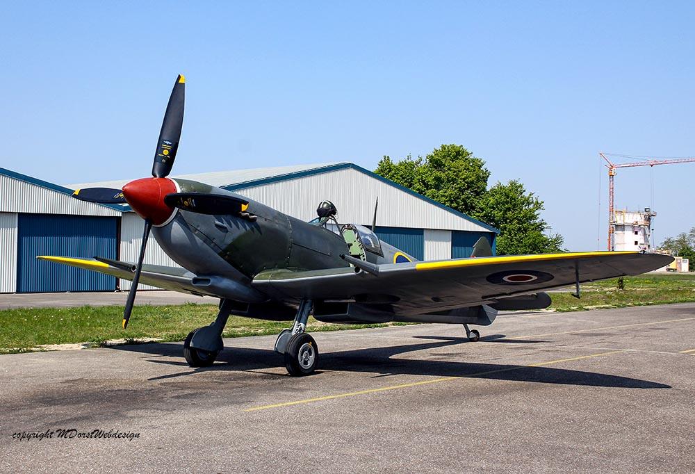 Spitfire_MkXVI_TE184_2011-04-2011.jpg