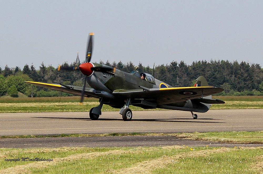 Spitfire_MkXVI_TE184_2011-04-2028.jpg