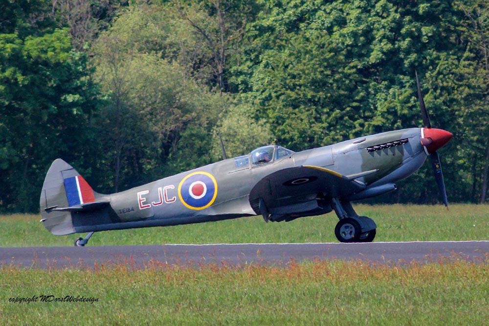 Spitfire_MkXVI_TE184_2011-04-2030.jpg