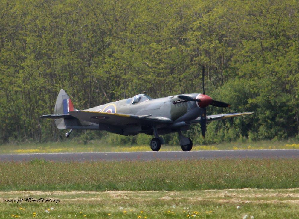 Spitfire_MkXVI_TE184_2011-04-2031.jpg