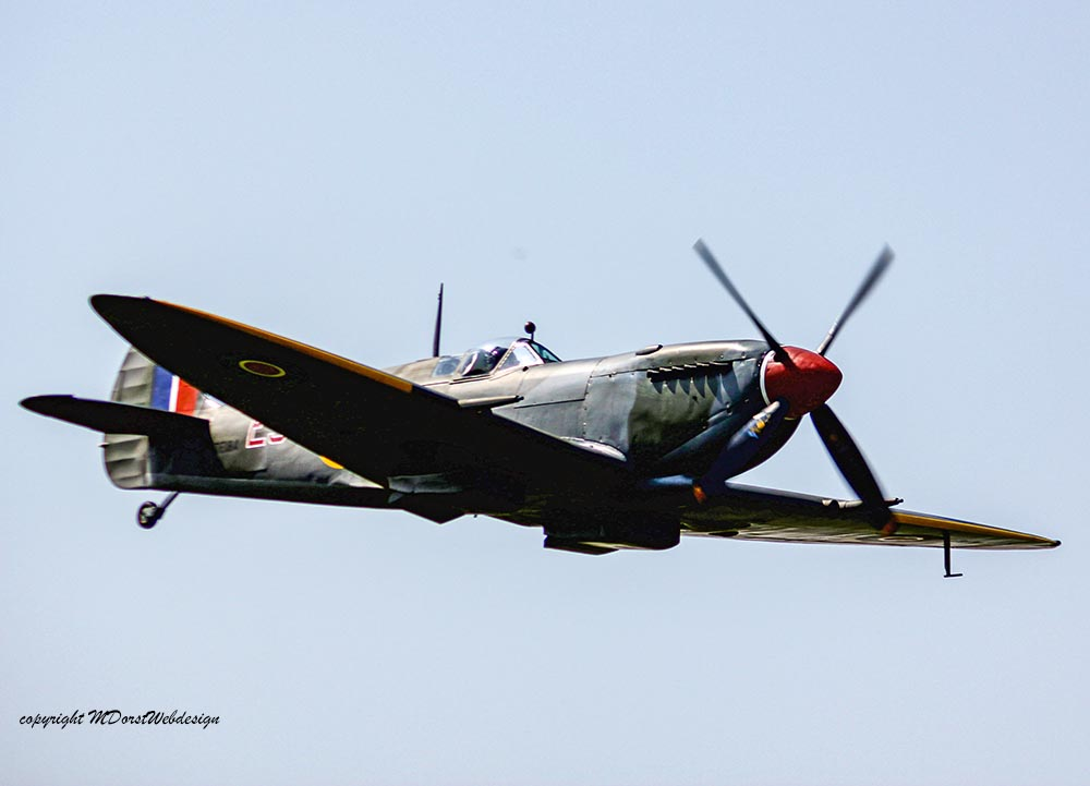 Spitfire_MkXVI_TE184_2011-04-2038.jpg