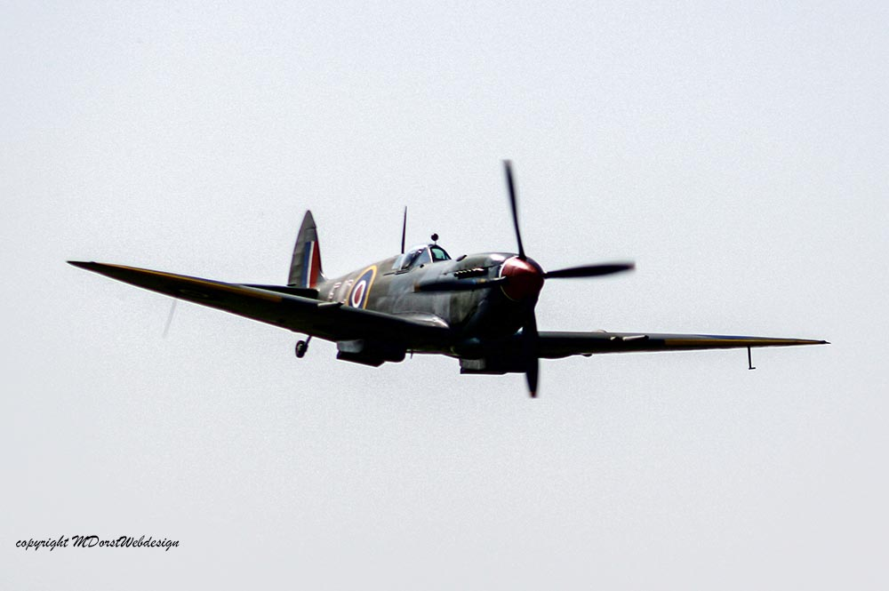 Spitfire_MkXVI_TE184_2011-04-2040.jpg