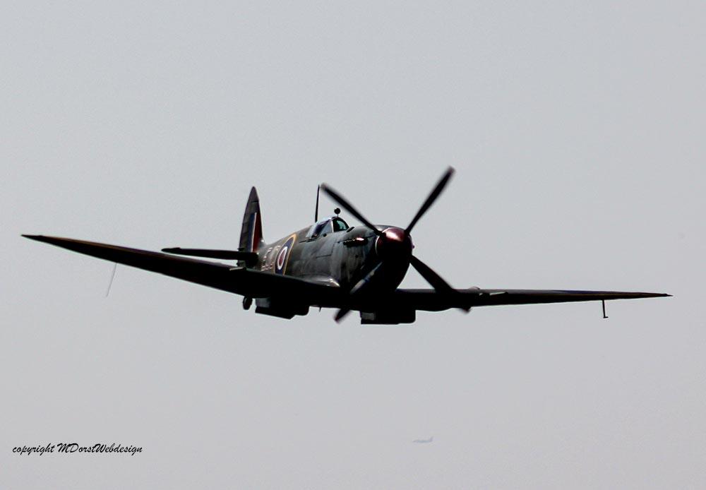 Spitfire_MkXVI_TE184_2011-04-2041.jpg