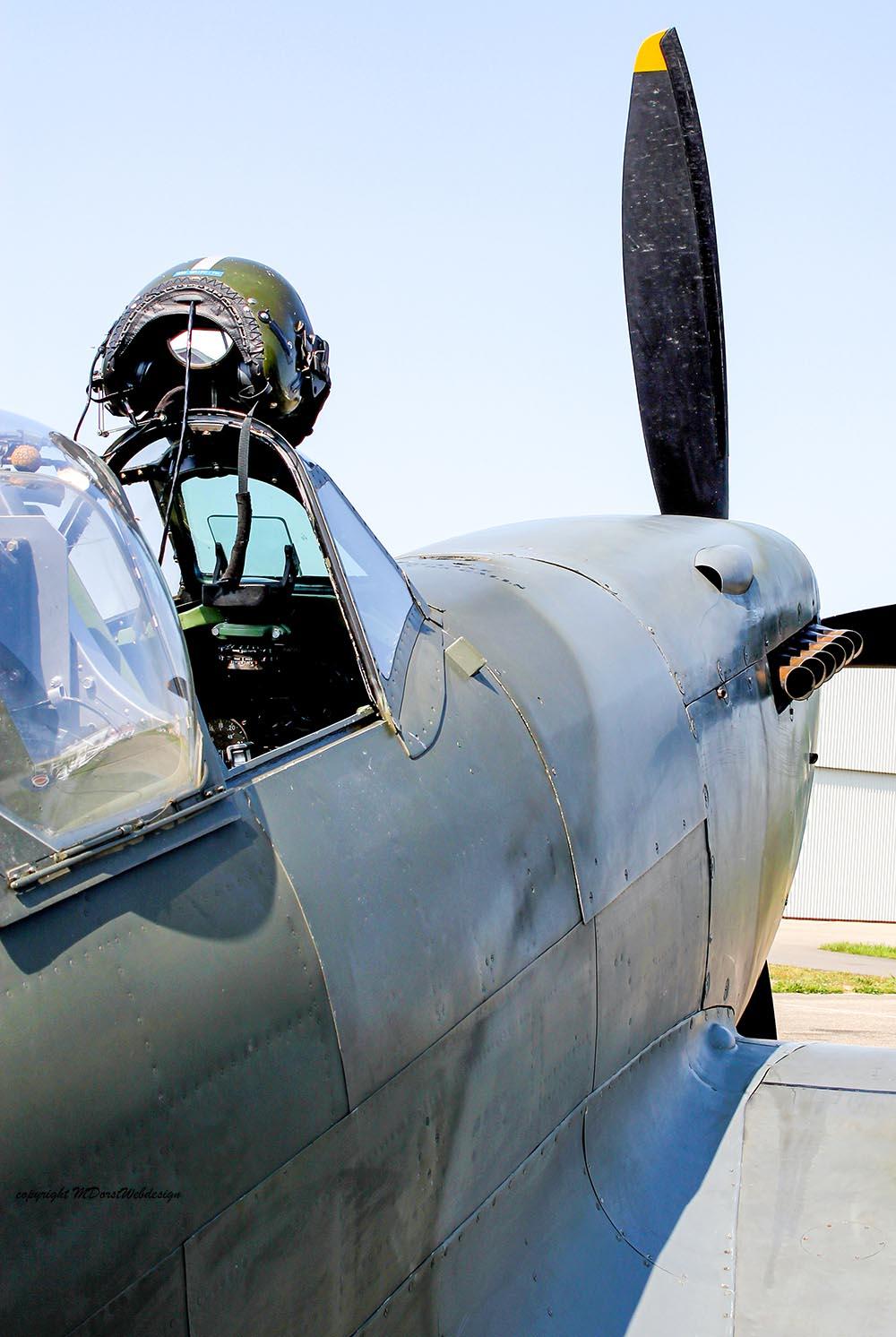 Spitfire_MkXVI_TE184_2011-04-205.jpg