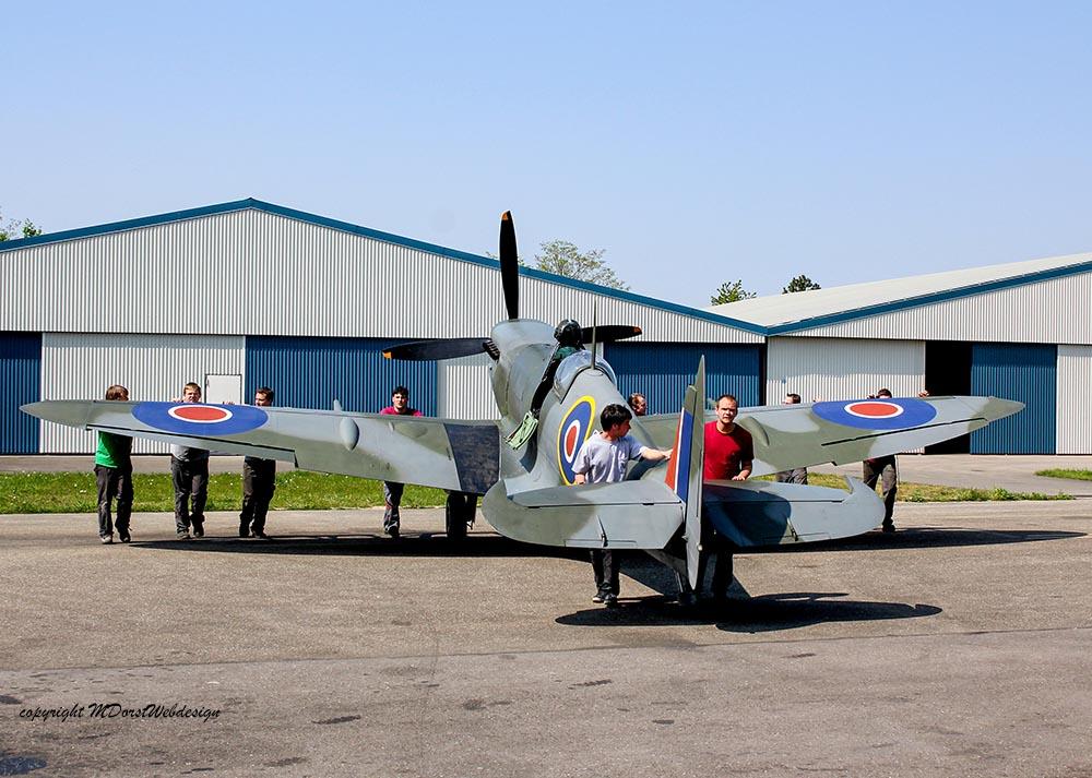Spitfire_MkXVI_TE184_2011-04-208.jpg