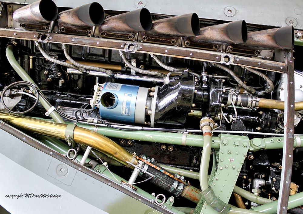 Spitfire_MkXVI_TE184_2011-05-2015.jpg