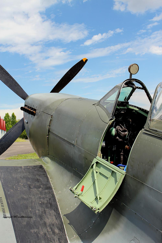 Spitfire_MkXVI_TE184_2011-05-207.jpg