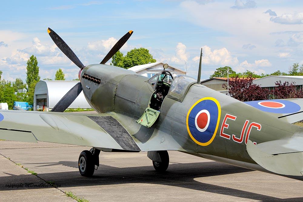 Spitfire_MkXVI_TE184_2011-05-209.jpg