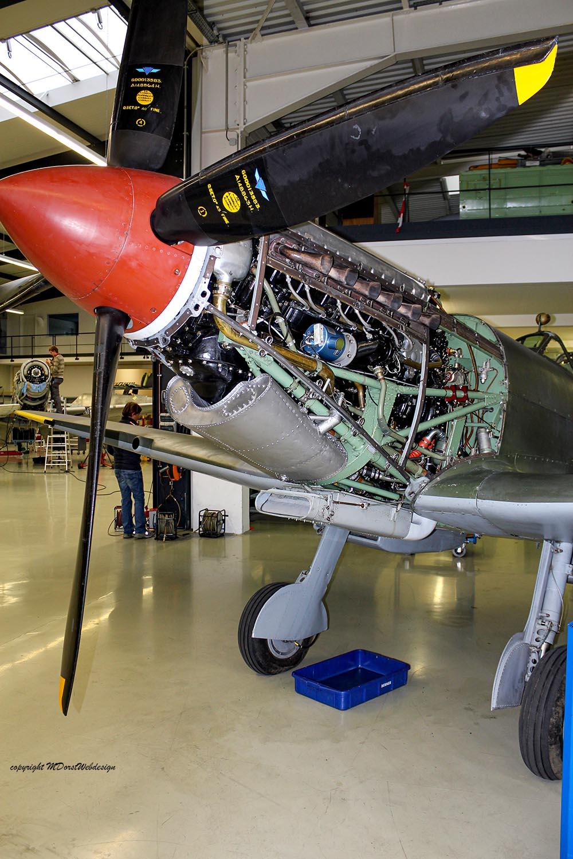 Spitfire_MkXVI_TE184_2011-11-11_1.jpg