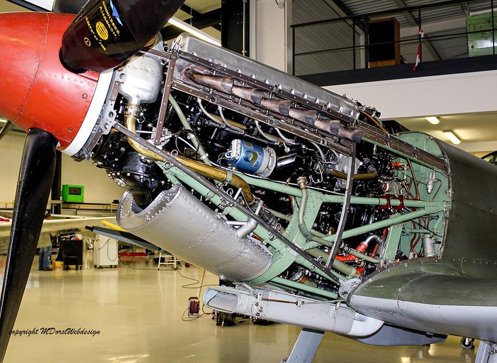 Spitfire_MkXVI_TE184_2011-11-11_2.jpg