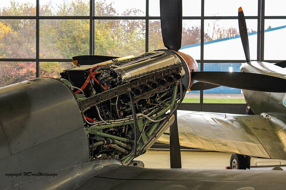 Spitfire_MkXVI_TE184_2011-11-11_3.jpg