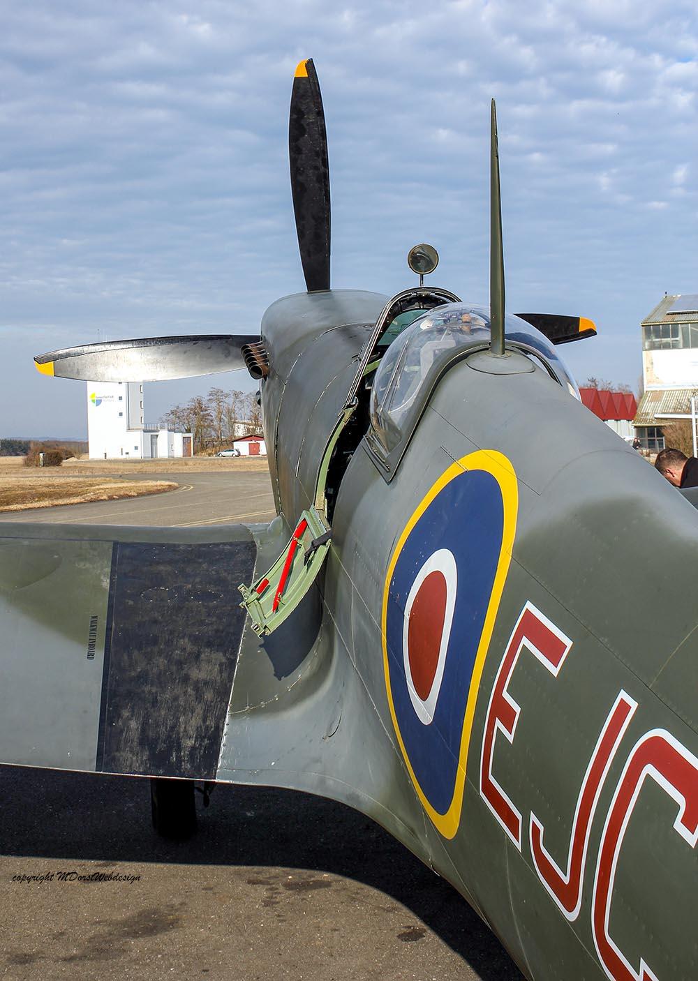 Spitfire_MkXVI_TE184_2012-02-2422.jpg
