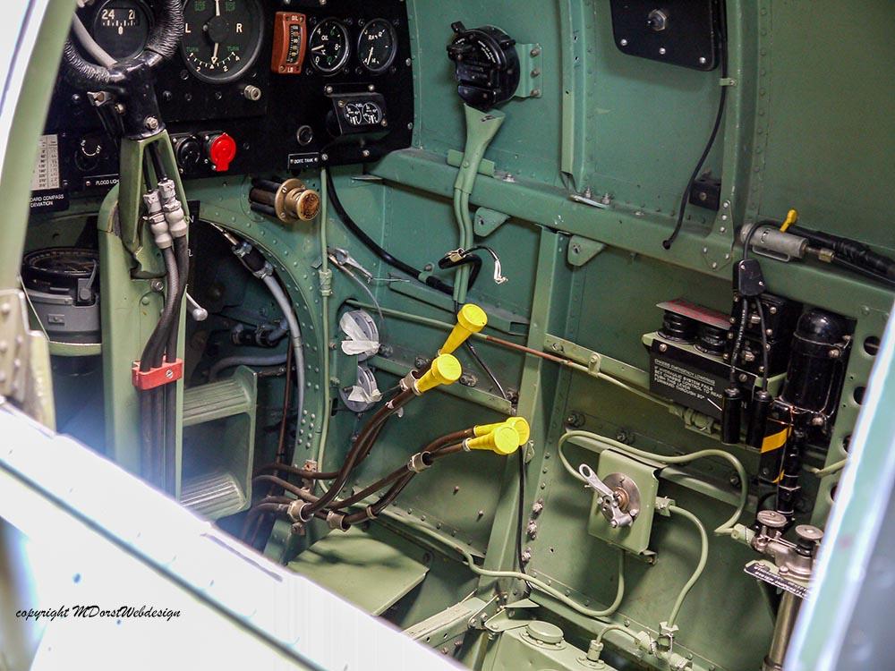 Spitfire_MkXVI_TE184_2012-10-012.jpg