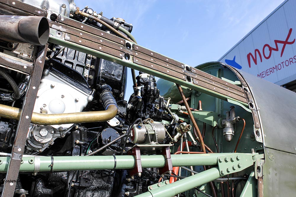 Spitfire_MkXVI_TE184_2012-10-0513.jpg