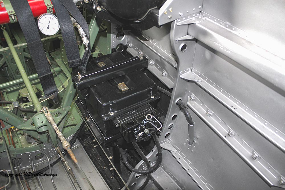 Spitfire_MkXVI_TE184_2012-10-056.jpg