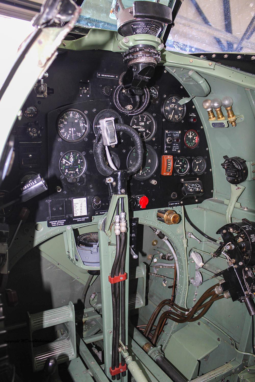Spitfire_MkXVI_TE184_2012-10-058.jpg