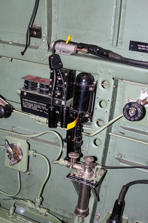 Spitfire_MkXVI_TE184_2012-10-059.jpg