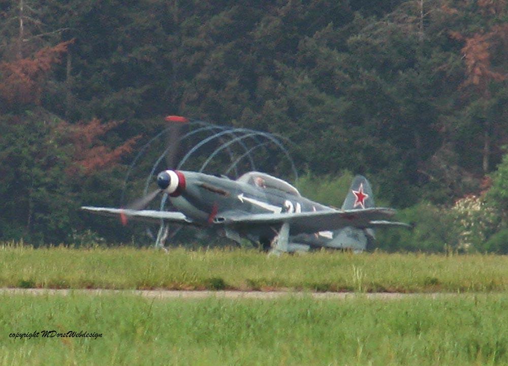Yak-3_D-FAFL_2010-04-30_Kopie.jpg